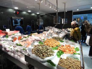 Peixateries Gourmet Andorra us ofereix una gran varietat de Peix i Marisc fresc de gran qualitat cada dia T. 808003