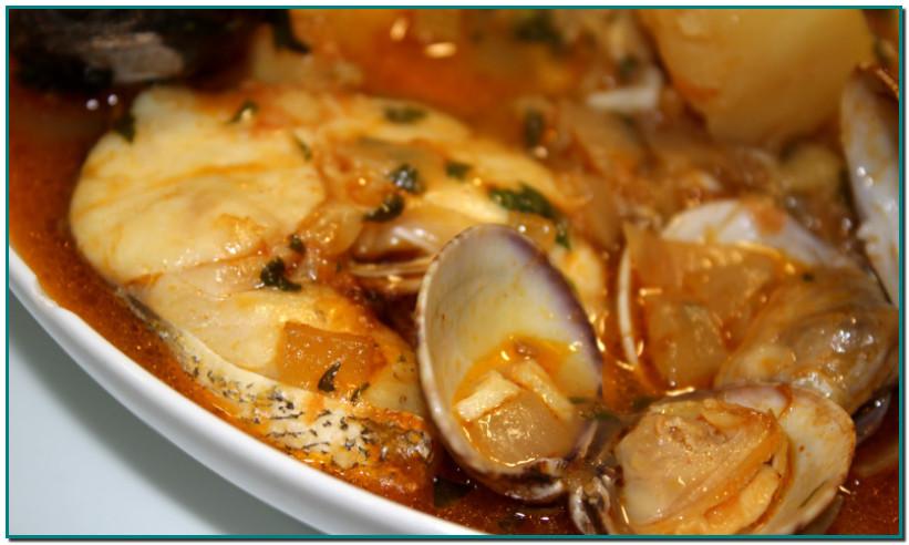 Suquets i guisats de peix Els peixos grossos, dits també de ració –orada, llobarro, llissa, sarg, nero, lluç, rap...– solen correspondre al peix blanc o de roca. Aquests peixos també es guisen: suc, suquet, nogadeta, llanda, llandeta, cimitomba, all cremat, aguiat a Mallorca... o es fan al forn. O bé en la fabulosa sarsuela, quan es fa amb bon peix fresc. A la regió de l'Ebre, en canvi, hi ha el «groguillo» (per la presència de safrà). A Vilanova i la Geltrú fan l'all cremat. També hi ha els guisats rojos, fets amb allipebre o, amb romesco.