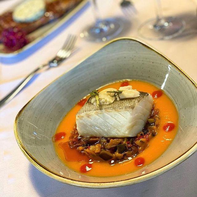 Restaurant Cal Tonet de la Cortinada - Tots els nostres peixos són frescos directe de la @peixateriesgourmetand
